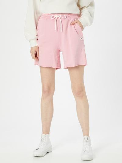 REPLAY Shorts in rosa, Modelansicht