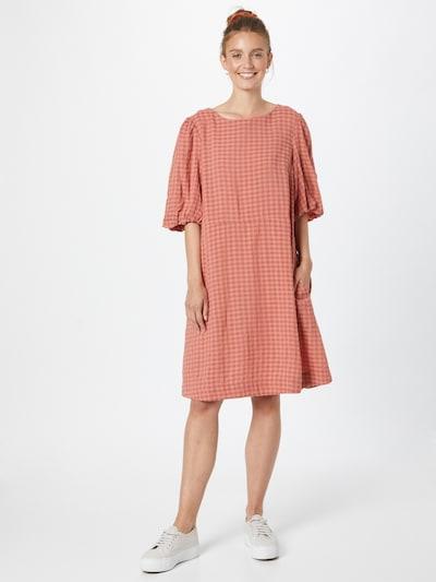 Rochie 'Hirli' SAINT TROPEZ pe roșu / roșu pastel, Vizualizare model