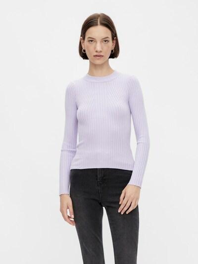 PIECES Pull-over en violet clair, Vue avec modèle