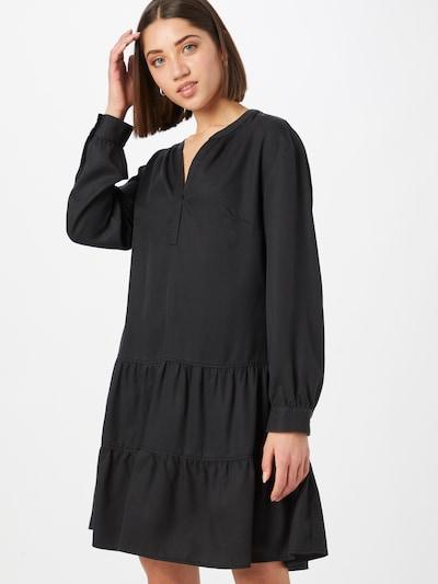 Rochie tip bluză COMMA pe negru, Vizualizare model