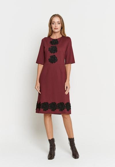 Madam-T Kleid 'Sanata' in rot, Modelansicht