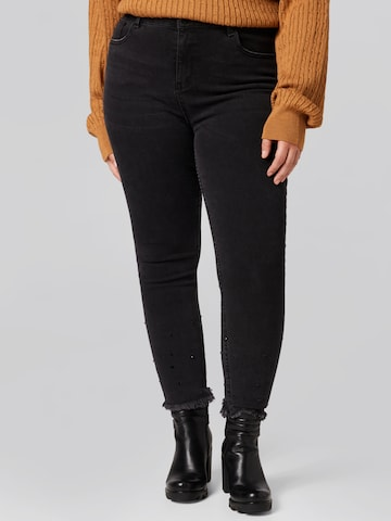 Guido Maria Kretschmer Curvy Collection Jeans 'Paola' in Schwarz