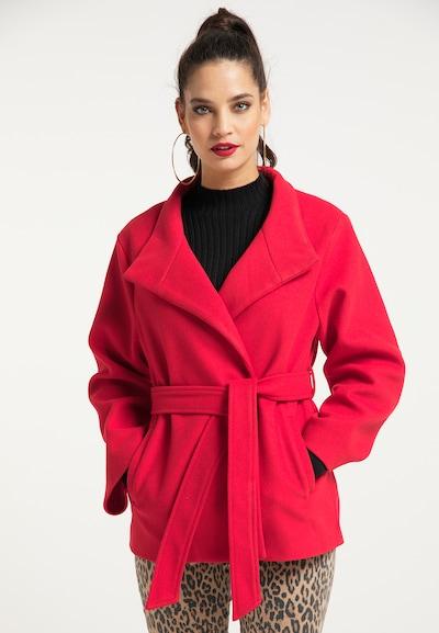 faina Mantel in rot, Modelansicht