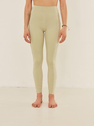 ABOUT YOU x Sofia Tsakiridou Tights 'Diana' in beige / hellgrün, Modelansicht