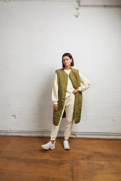 Aligne Weste 'Evie' in khaki, Modelansicht
