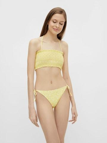 Top per bikini di PIECES in giallo