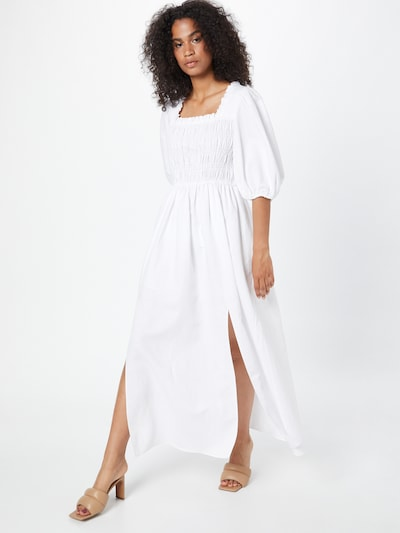 Rochie AllSaints pe alb murdar, Vizualizare model