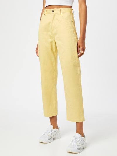 Afends Pantalon 'Shelby' en jaune, Vue avec modèle