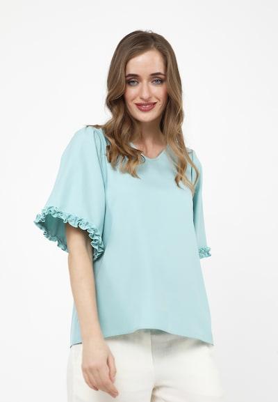 Madam-T Blouse 'Rossitta' in de kleur Lichtblauw, Modelweergave