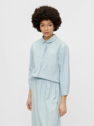 PIECES Blouse in de kleur Lichtblauw, Modelweergave