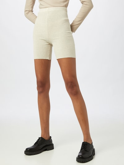 NU-IN Shorts in weiß, Modelansicht