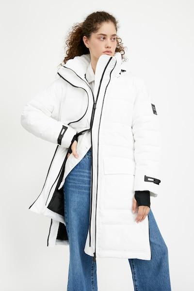 Finn Flare Steppmantel in weiß, Modelansicht