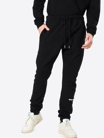 9N1M SENSE Pantalon en noir, Vue avec modèle