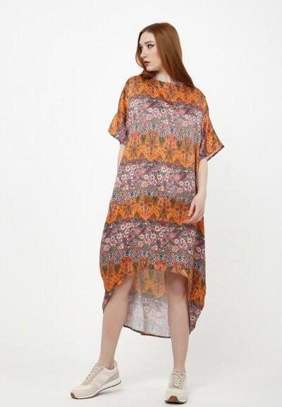 Madam-T Maxikleid 'ASHLEY' in orange, Modelansicht