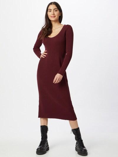 Rochie tricotat NU-IN pe roșu burgundy, Vizualizare model