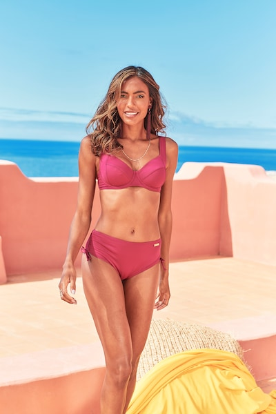 LASCANA Dół bikini 'Pride' w kolorze jagodam, Podgląd na modelu(-ce)