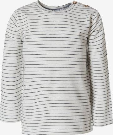 People Wear Organic Shirt in Weiß