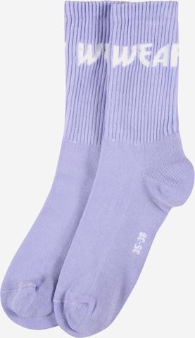 WEARKND Sokken in Lila