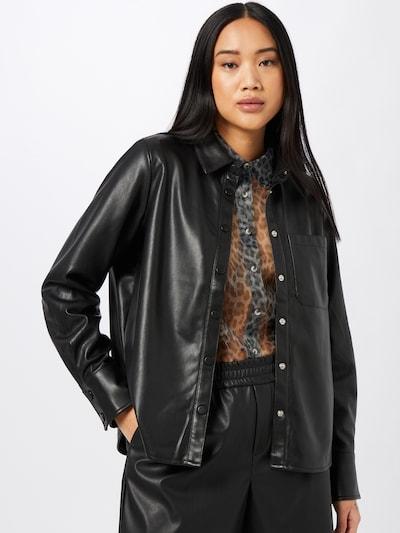 NA-KD Bluse in schwarz, Modelansicht