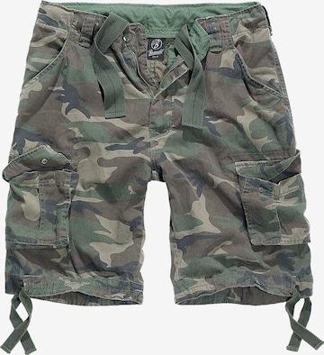 Brandit Shorts in Grün