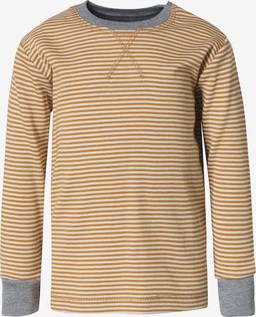 People Wear Organic Shirt in Braun
