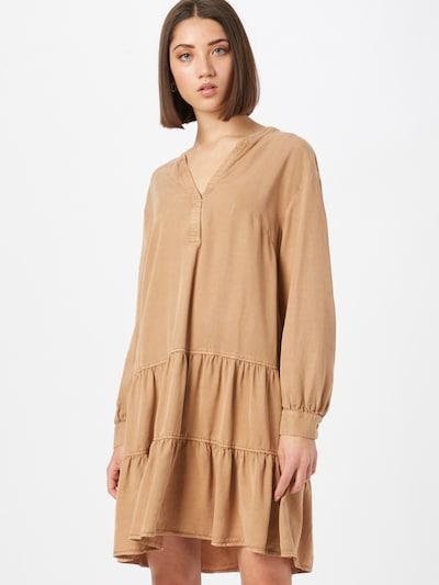 Rochie tip bluză COMMA pe maro deschis, Vizualizare model