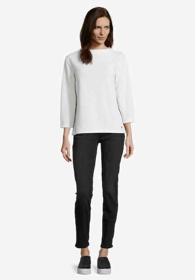 Betty & Co Sweatpullover mit Stehkragen in weiß, Modelansicht