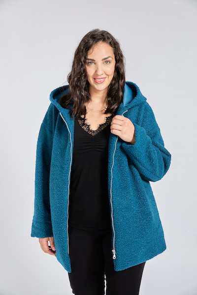 SPGWOMAN Winter Coat in Turquoise, View model