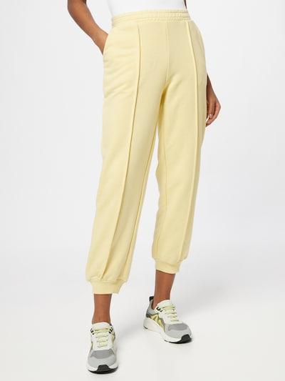 Pantaloni NA-KD di colore giallo chiaro, Visualizzazione modelli