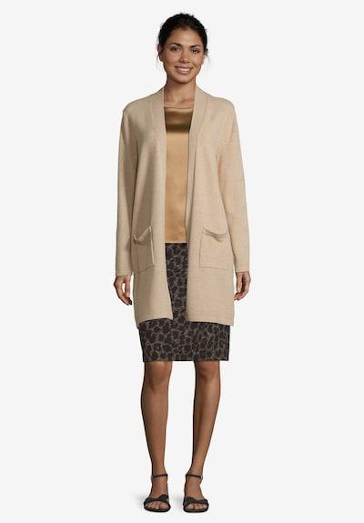Betty Barclay Feinstrickjacke mit aufgesetzten Taschen in beige, Modelansicht