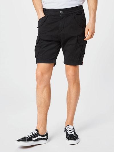 ALPHA INDUSTRIES Pantalon cargo 'Airman' en noir, Vue avec modèle