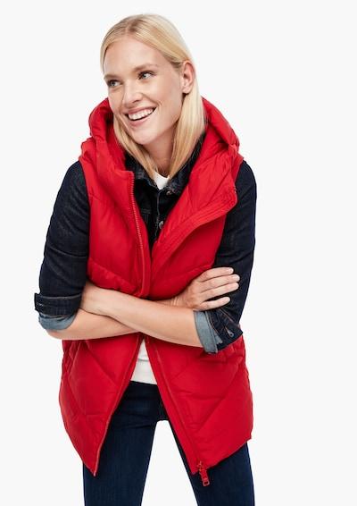 s.Oliver Oversized Steppweste mit Kapuze in rot, Modelansicht