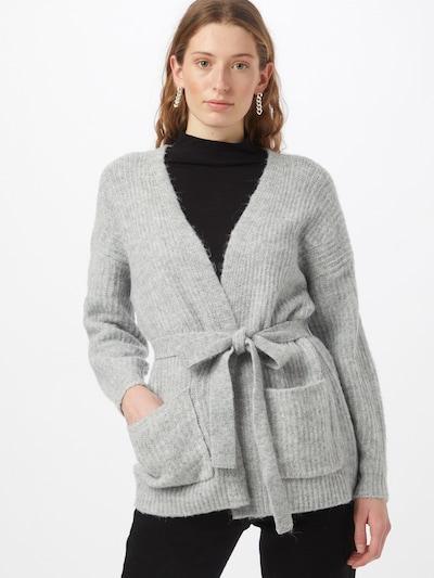 VERO MODA Cardigan en gris clair, Vue avec modèle