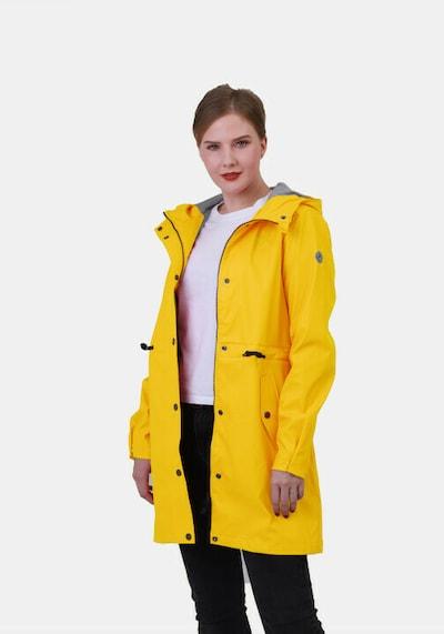 Dingy Rhythm Of The Rain Regenmantel 'Alice' in gelb, Modelansicht