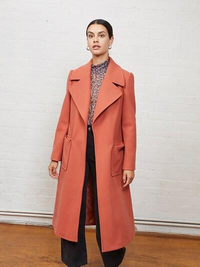 Aligne Mantel 'Evangeline' in rostrot, Modelansicht
