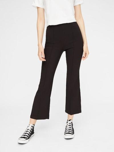 PIECES Ausgestellte Hose in schwarz, Modelansicht