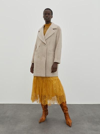 EDITED Manteau mi-saison 'Janeke' en beige, Vue avec modèle
