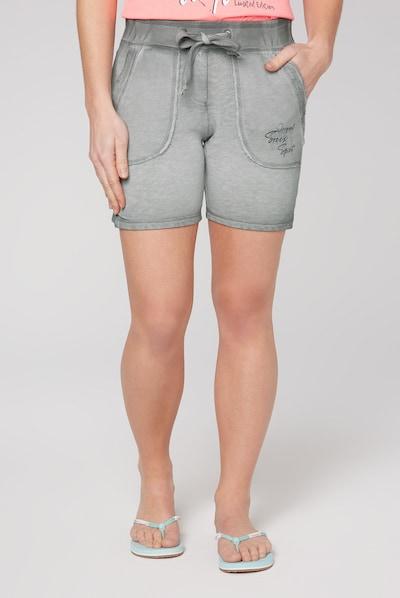 Soccx Sweatshorts mit Used-Optik und Print in grau, Modelansicht