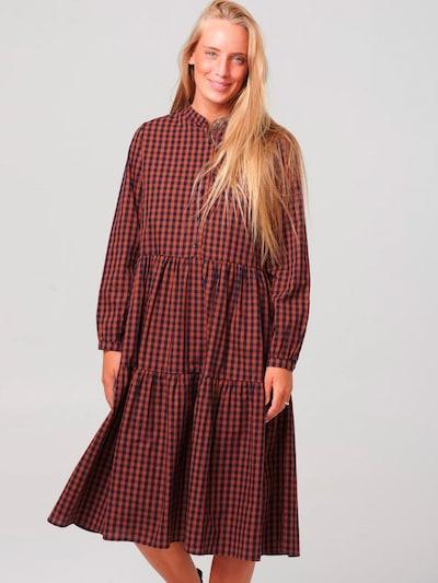 Noella Kleid in dunkelblau / dunkelrot, Modelansicht