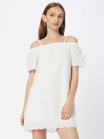 Rochie DeFacto pe alb, Vizualizare model