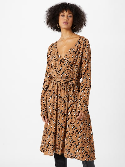 VILA Robe 'KITTIE' en marron / noir / blanc, Vue avec modèle