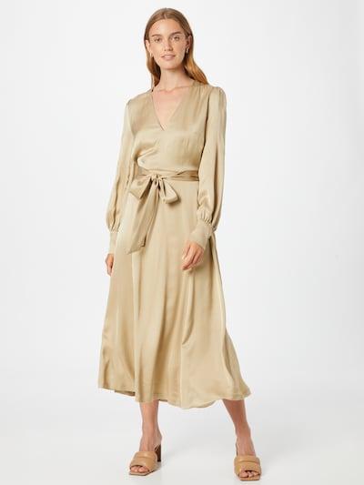 Rochie tip bluză 'Dena Rose' IVY & OAK pe bej, Vizualizare model