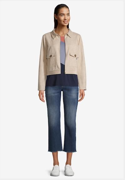 Betty & Co Blazer-Jacke mit aufgesetzten Taschen in beige, Modelansicht