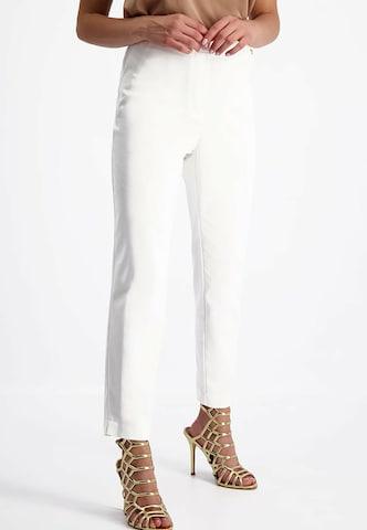 Lavard Hose aus sehr angenehmem  Stoff in Weiß