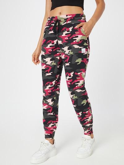 DKNY Performance Hose in creme / dunkelgrau / hellgrün / pitaya / schwarz, Modelansicht