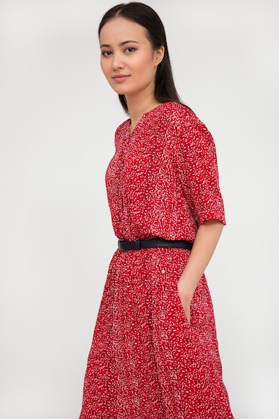 Finn Flare Sommerkleid in rot, Modelansicht