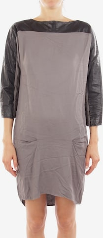 8pm Dress in XS in Grey