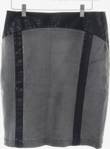 Mandarin Skirt in M in Grey