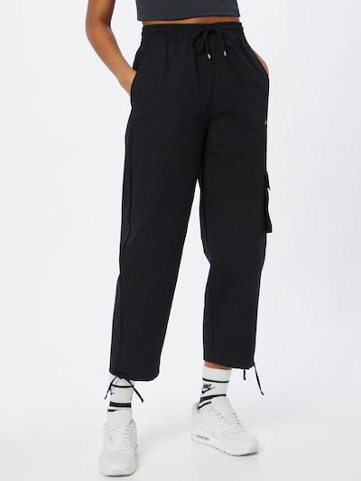 Nike Sportswear Pantalón cargo en negro, Vista del modelo