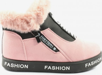 Fashion High Top Sneaker in 39 in Pink